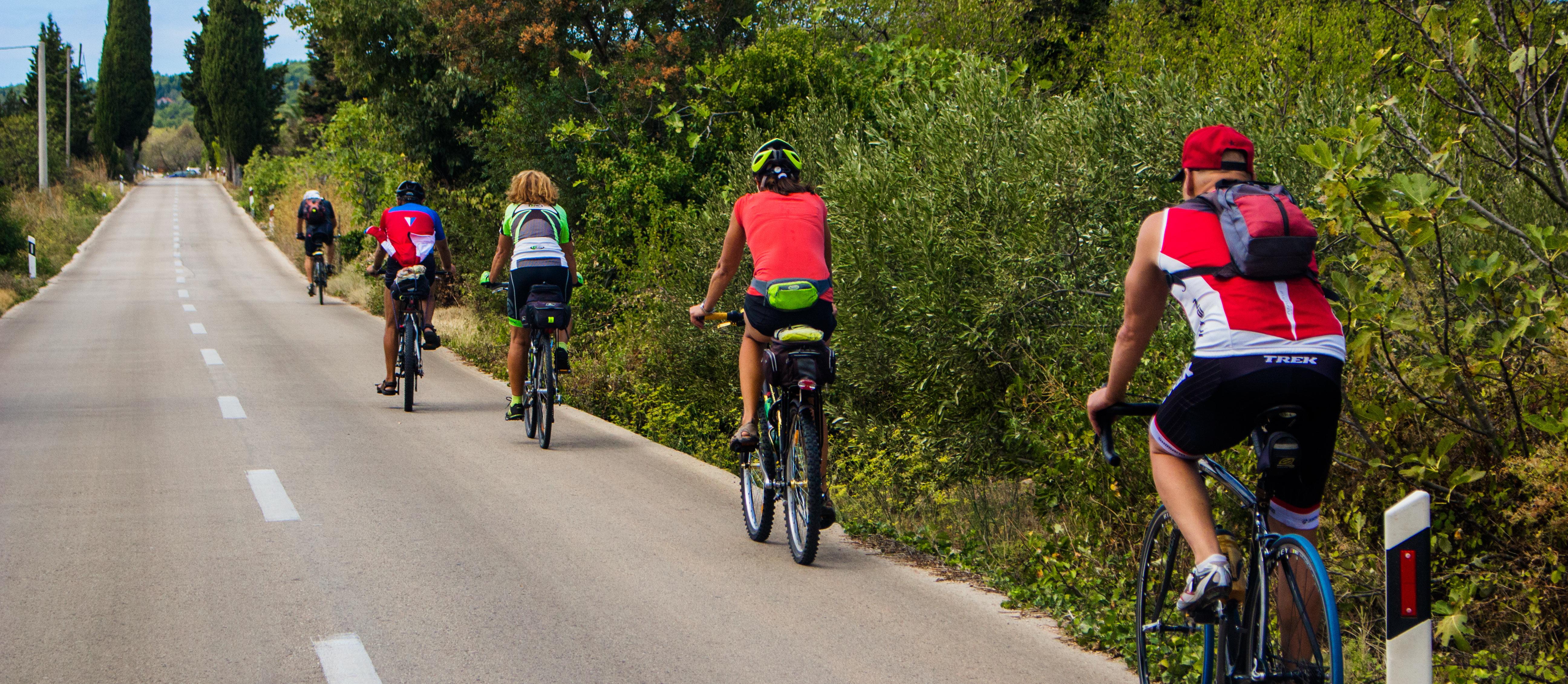 Cyklisté na Korčule