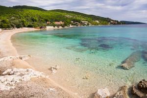 Prižba - písčitooblázková pláž Javna